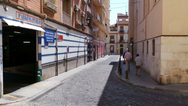 Parking situado junto a la Plaza de los Campos. Foto: GranadaiMedia