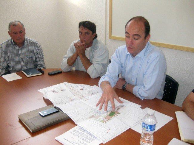Juan García Montero, junto a 'Chavalote', en la última JMD del mes de junio.