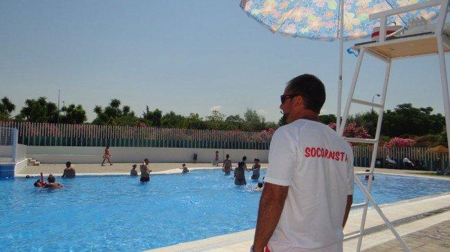 piscina granada almanjáyar