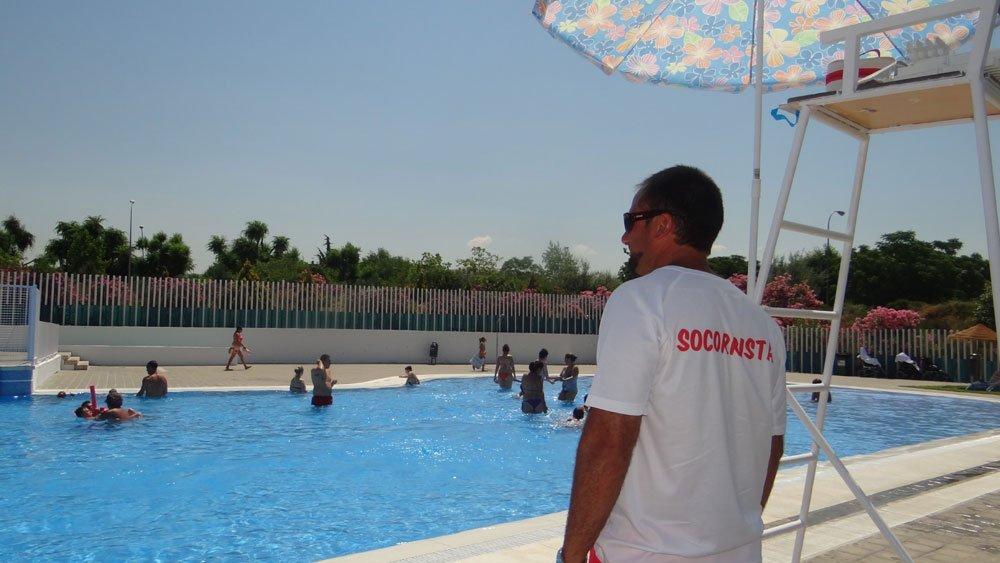 piscina de almanjáyar granada