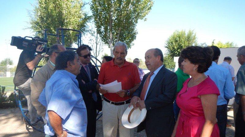 visita alcalde granada rey badis polideportivo