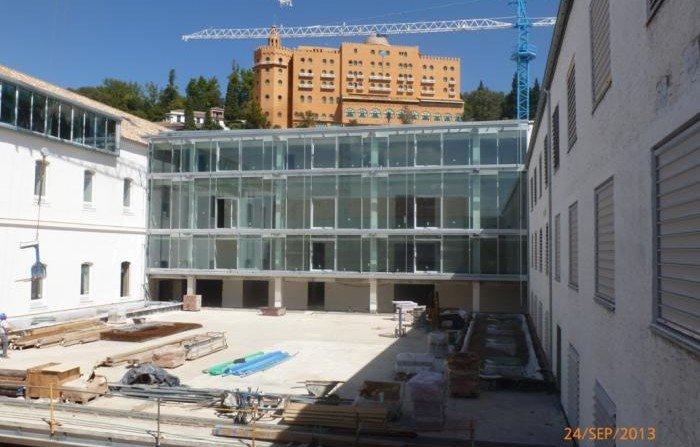La escuela de arquitectura lista para el campo del pr ncipe for Escuela tecnica superior de arquitectura