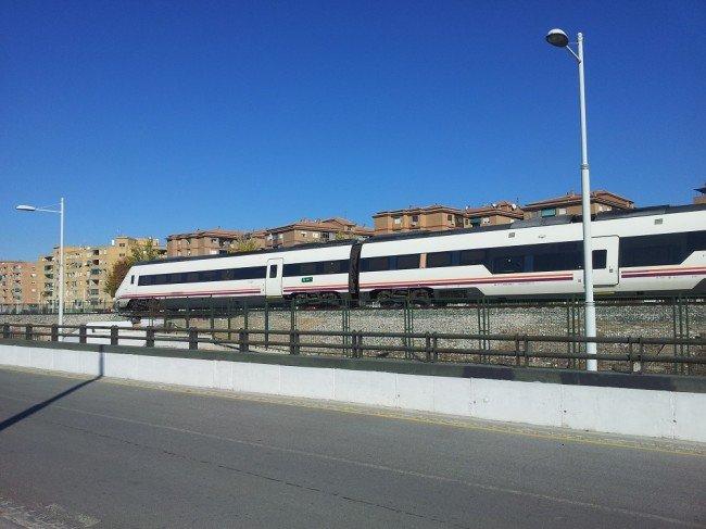 El tren a su paso por la Chana