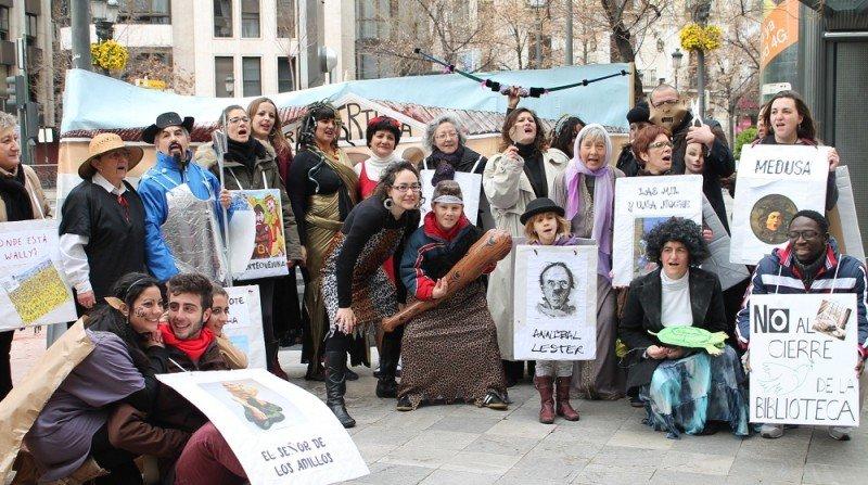 protesta biblioteca palomas