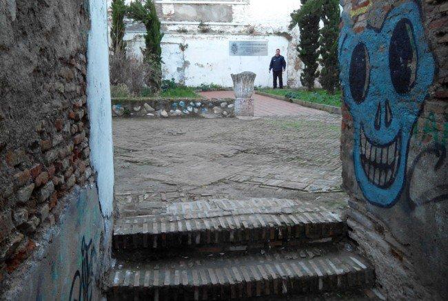 Callejón del Gallo, Albaicín, servicios sociales