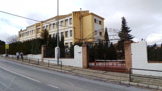 Colegio Ave María, Albaicín, Centros sociales del Albaicín