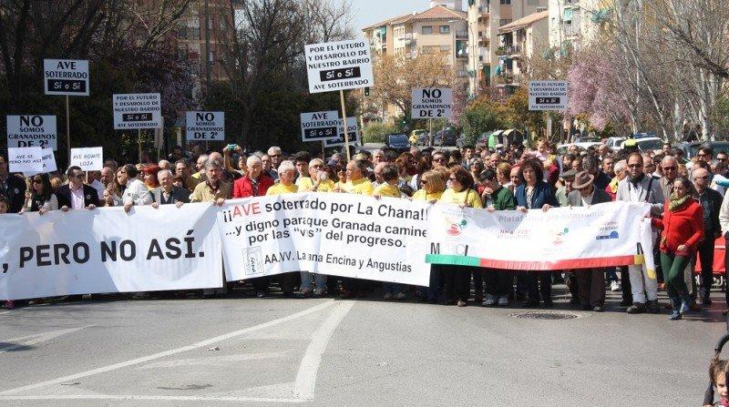 Manifestación en la Chana por un AVE soterrado