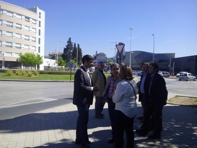 Visita concejales rotonda Avenida Fernández de los Ríos