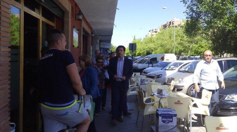 Concejales PSOE visitan terrazas del Zaidín-