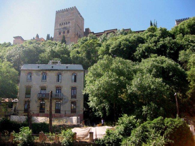 Obras en el Hotel Reúma, donde se llevan a cabo catas arqueológicas.