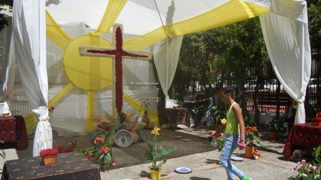 Cruz de mayo asociación de parados casería de montijo