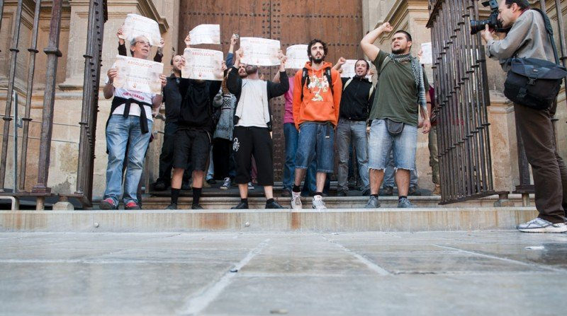 encierro Catedral Granada libertad Carmen Carlos