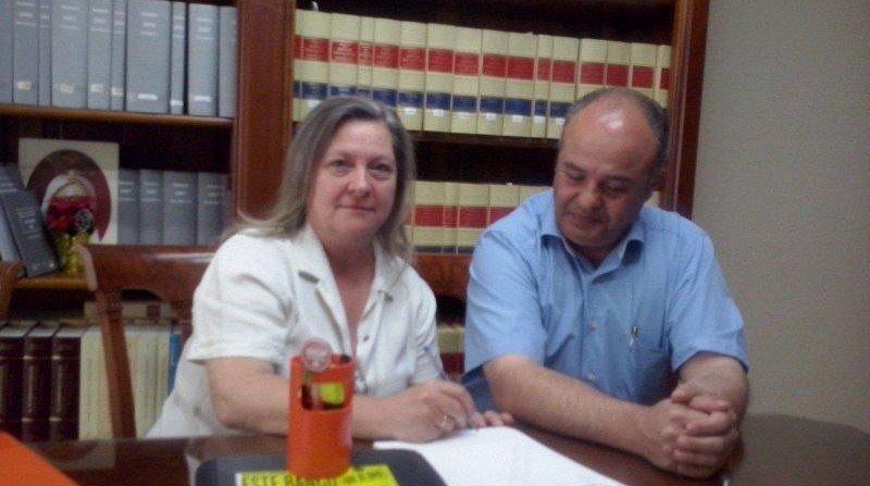 Acuerdo de una familia de la Chana con el banco para mantener su vivienda