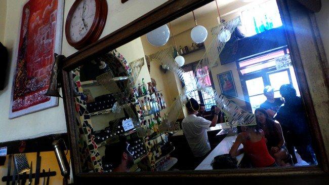 bar Candela, espejo, Realejo, Granada