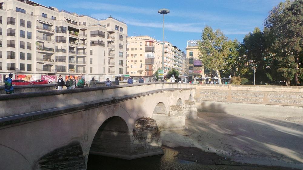 suceso puente romano del genil granada