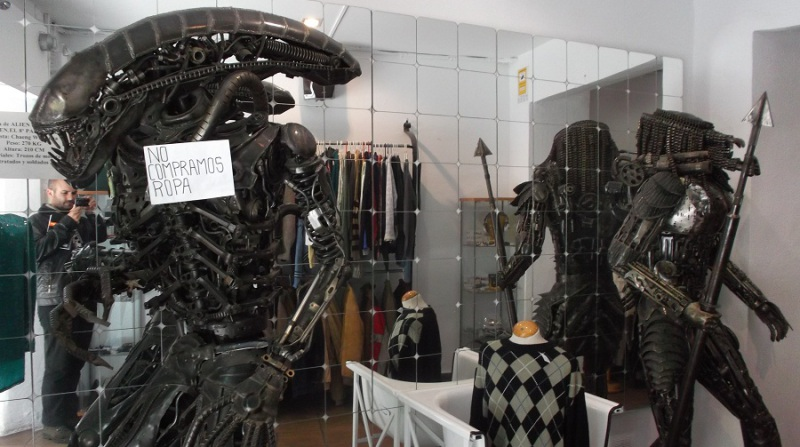 Alien Predator Ropero