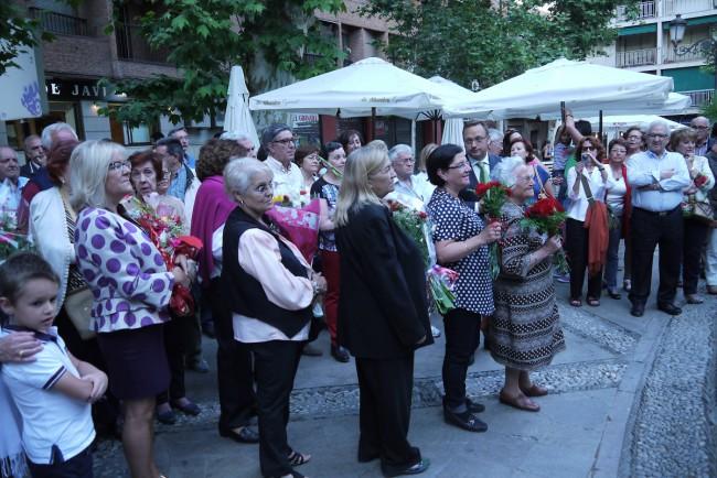 Ofrenda floral mujeres. Fotos: Manuel Yeste