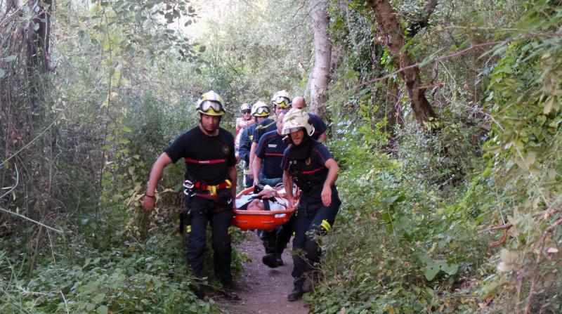 rescate bomberos anciano fuente avellano